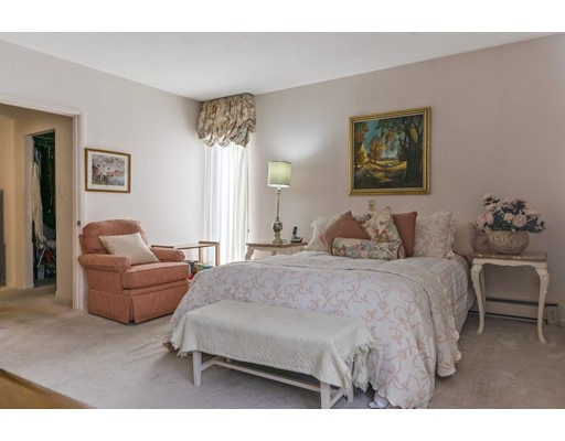 Picture 13 of 65 Grove St Unit 145 Wellesley Ma 2 Bedroom Condo