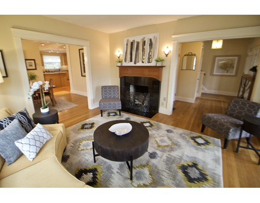 Picture 9 of 126 Winchester St  Brookline Ma 4 Bedroom Single Family