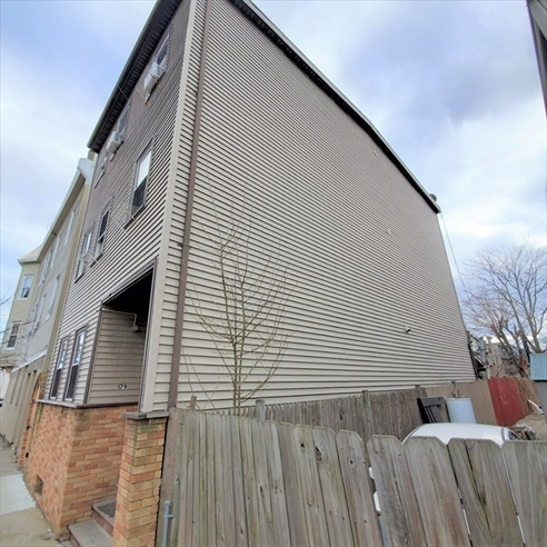 Picture 4 of 179 Putnam  Boston Ma 10 Bedroom Multi-family