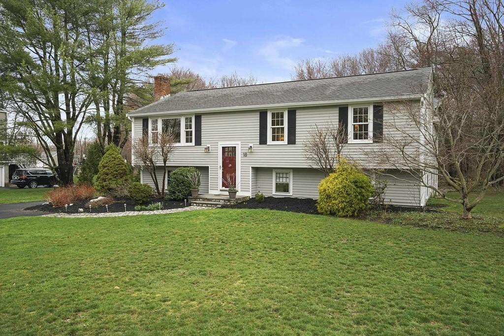 18 Hillside Dr, Cohasset, Massachusetts