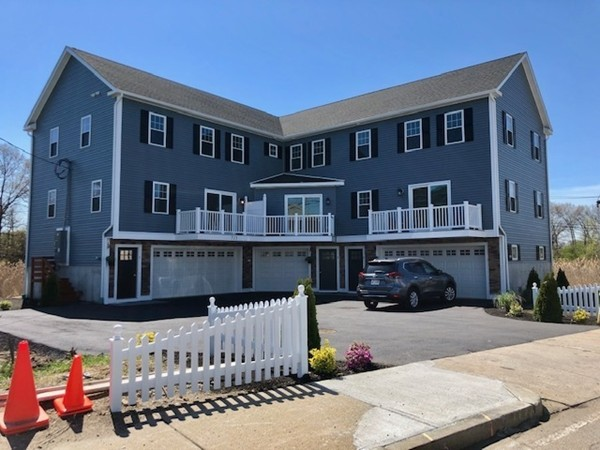 Picture 2 of 713 Sea St  Quincy Ma 7 Bedroom Multi-family