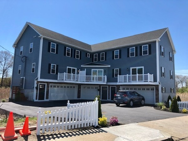 Picture 3 of 713 Sea St  Quincy Ma 7 Bedroom Multi-family