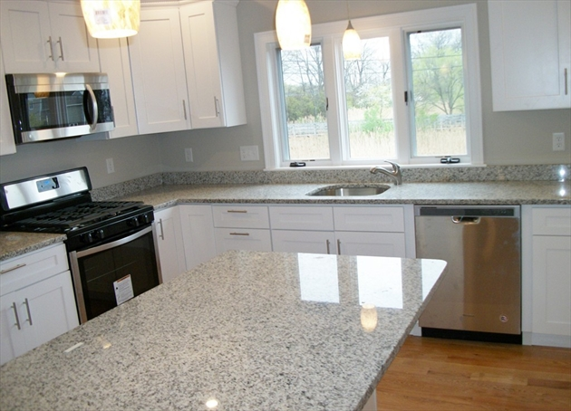 Picture 7 of 713 Sea St  Quincy Ma 7 Bedroom Multi-family