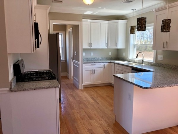 Picture 11 of 713 Sea St  Quincy Ma 7 Bedroom Multi-family