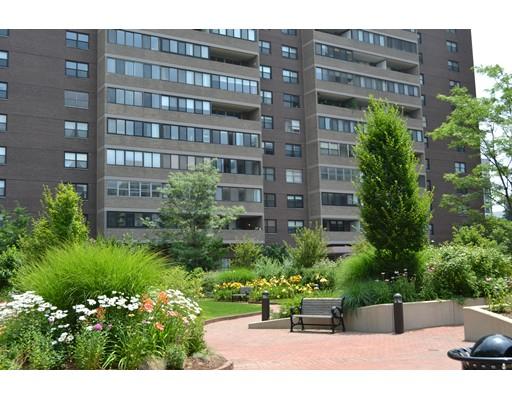 Hawthorne Pl., Boston, MA 02114