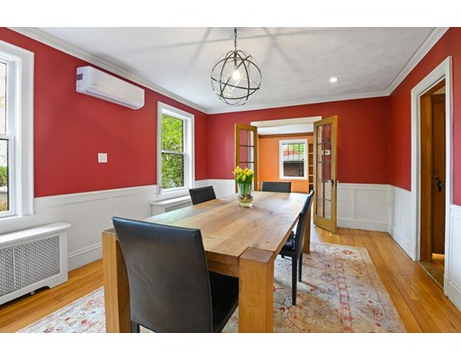 Picture 4 of 17 Leicester Rd  Belmont Ma 5 Bedroom Single Family