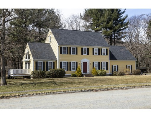 Picture 2 of 33 Colonial Dr  Westford Ma 4 Bedroom Single Family