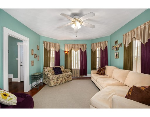 Picture 10 of 6 May Ct  Methuen Ma 4 Bedroom Single Family
