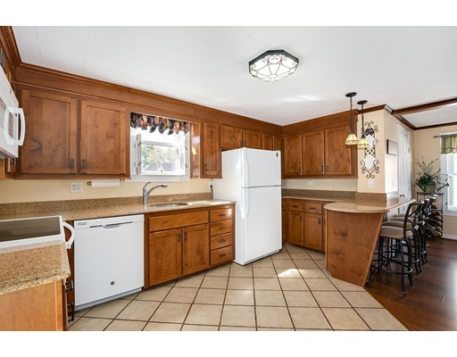 Picture 13 of 6 May Ct  Methuen Ma 4 Bedroom Single Family