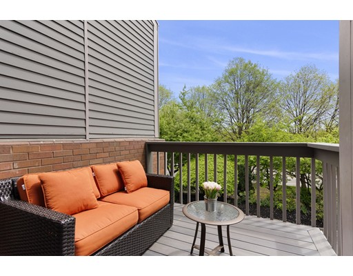 Picture 11 of 228 Fellsway Unit 228 Somerville Ma 3 Bedroom Condo