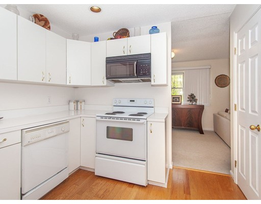 Picture 11 of 90 Bishops Forest Dr Unit 90 Waltham Ma 2 Bedroom Condo