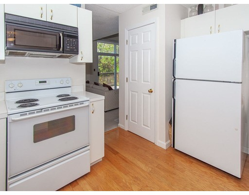 Picture 12 of 90 Bishops Forest Dr Unit 90 Waltham Ma 2 Bedroom Condo
