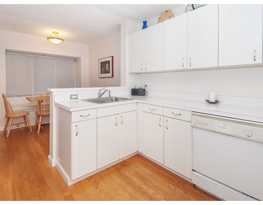 Picture 13 of 90 Bishops Forest Dr Unit 90 Waltham Ma 2 Bedroom Condo