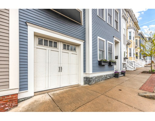 Picture 3 of 435 Bunker Hill St  Boston Ma 3 Bedroom Single Family