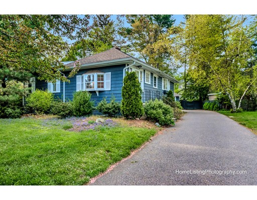 Picture 2 of 5 Stearns Rd  Wellesley Ma 3 Bedroom Single Family