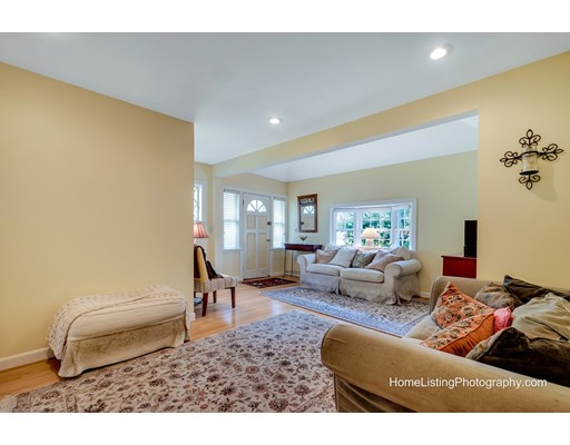 Picture 7 of 5 Stearns Rd  Wellesley Ma 3 Bedroom Single Family