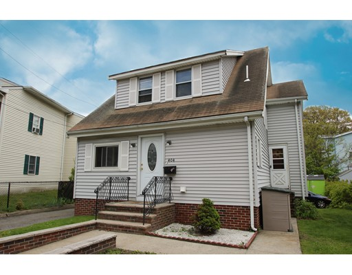 Picture 3 of 404 Lincoln Ave  Saugus Ma 3 Bedroom Single Family