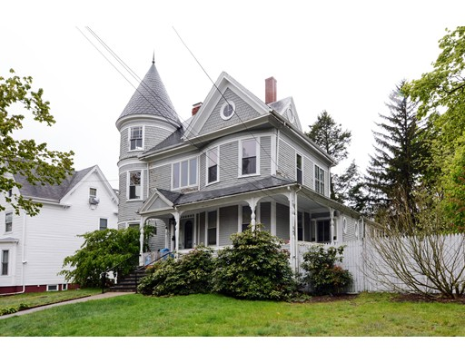 Picture 4 of 96 Dexter St  Malden Ma 6 Bedroom Single Family