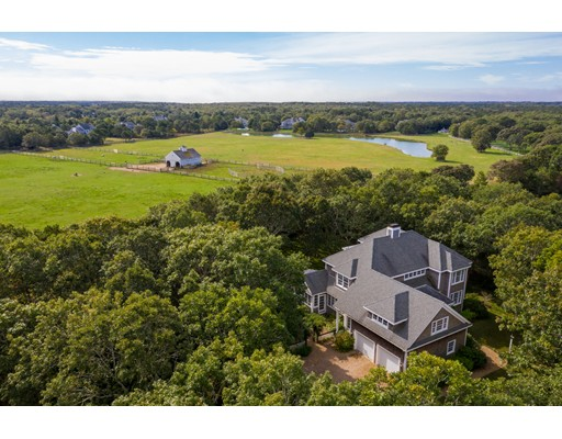 275 Pond Rd - West Tisbury, MA