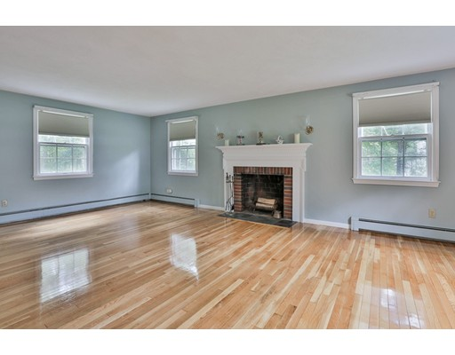 Picture 9 of 13 Ivy Ln  Andover Ma 4 Bedroom Single Family