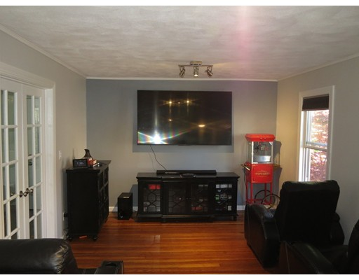 Picture 5 of 20 Westland Ave  Saugus Ma 3 Bedroom Single Family