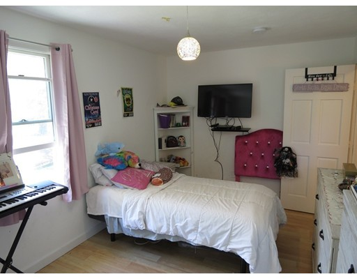 Picture 8 of 20 Westland Ave  Saugus Ma 3 Bedroom Single Family