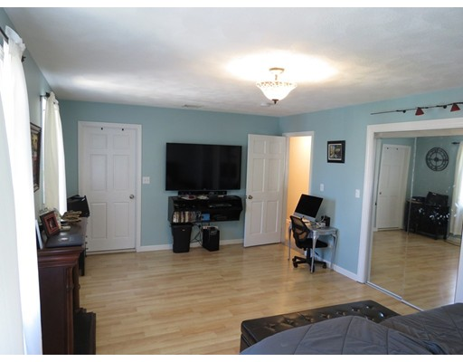 Picture 10 of 20 Westland Ave  Saugus Ma 3 Bedroom Single Family