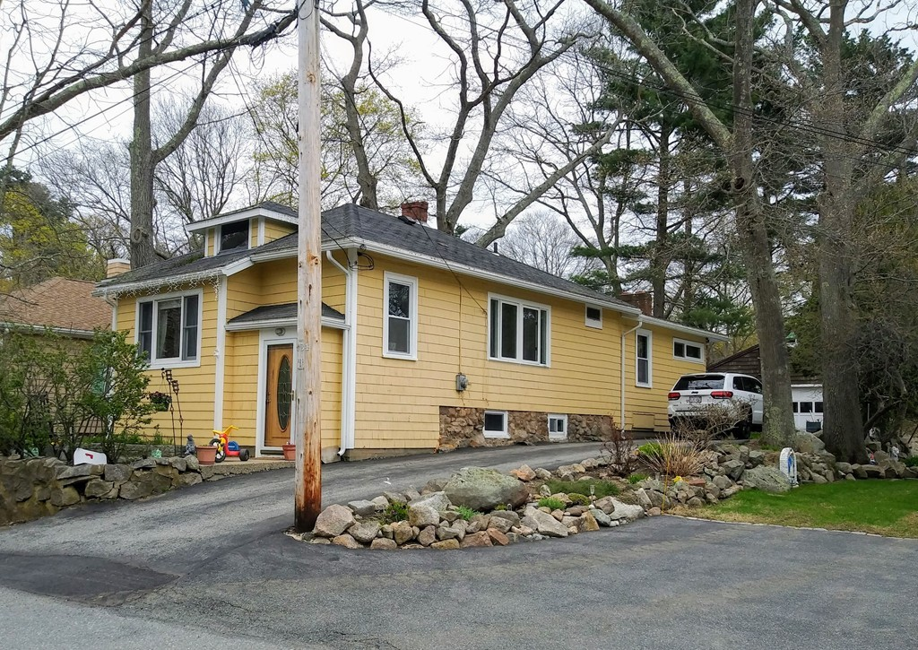 24 Clearview Ave, Gloucester, Massachusetts