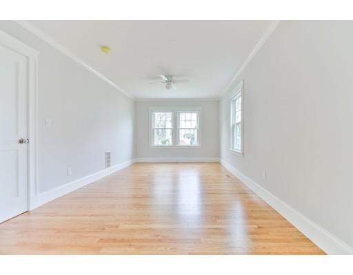 Picture 9 of 21 Brandon Rd Unit 1 Milton Ma 2 Bedroom Rental