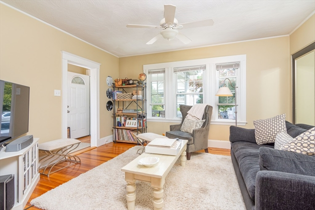 Picture 2 of 17 Bedford St  Quincy Ma 3 Bedroom Multi-family
