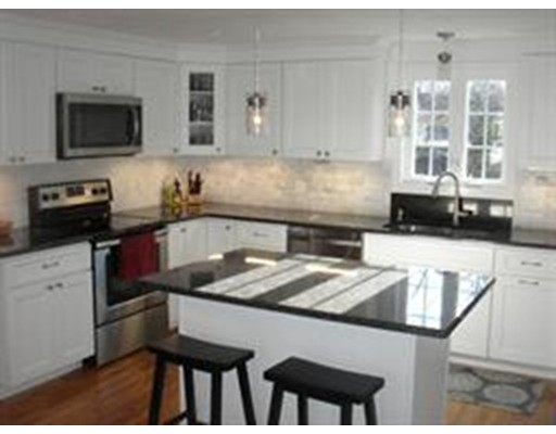 Picture 4 of 10 Manor Ave  Natick Ma 4 Bedroom Single Family