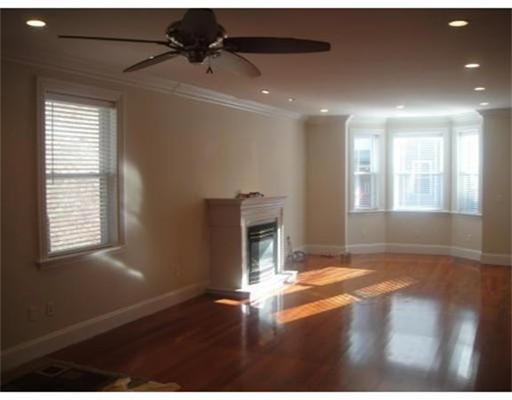 Photo of 702 East Fifth #1