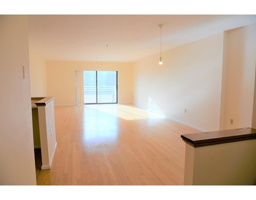 Picture 2 of 199 Coolidge Ave Unit 302 Watertown Ma 2 Bedroom Condo