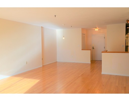Picture 3 of 199 Coolidge Ave Unit 302 Watertown Ma 2 Bedroom Condo
