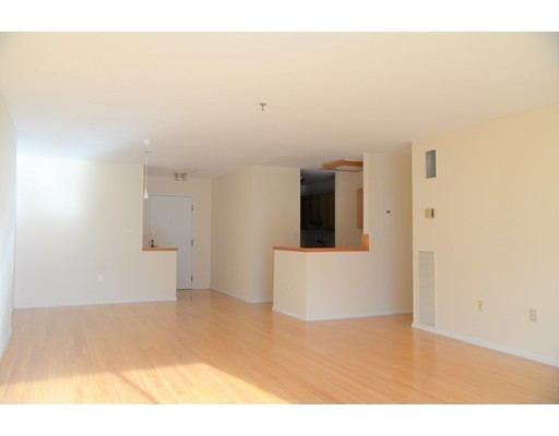Picture 7 of 199 Coolidge Ave Unit 302 Watertown Ma 2 Bedroom Condo