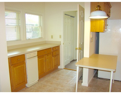 Picture 3 of 93-95 Squantum St Unit 93 Milton Ma 2 Bedroom Rental
