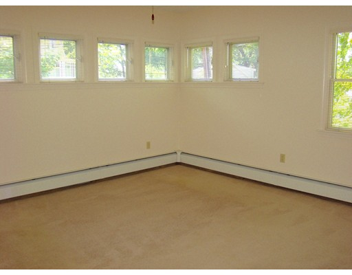 Picture 8 of 93-95 Squantum St Unit 93 Milton Ma 2 Bedroom Rental
