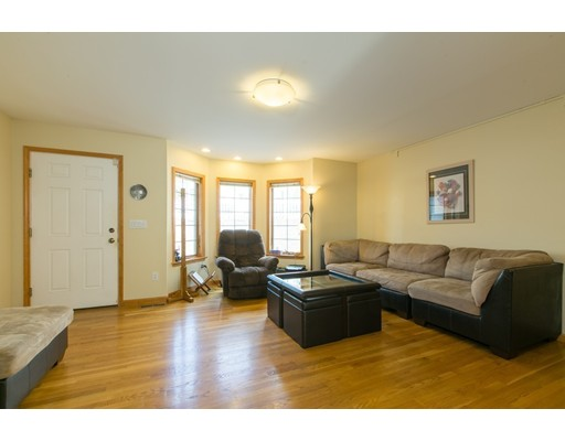 Picture 9 of 17 Diane S View Unit 17 Malden Ma 3 Bedroom Condo