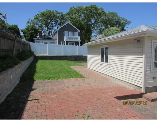 Picture 3 of 36 Brunswick St  Quincy Ma 6 Bedroom Single Family