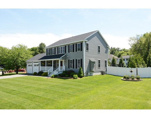 Picture 4 of 27 Intervale Ave  Peabody Ma 4 Bedroom Single Family