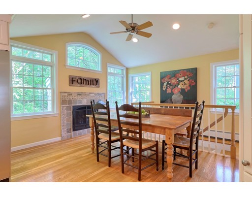 Picture 5 of 14 Shelly Lane  Westford Ma 4 Bedroom Single Family