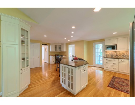 Picture 8 of 14 Shelly Lane  Westford Ma 4 Bedroom Single Family