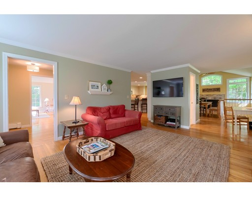 Picture 9 of 14 Shelly Lane  Westford Ma 4 Bedroom Single Family