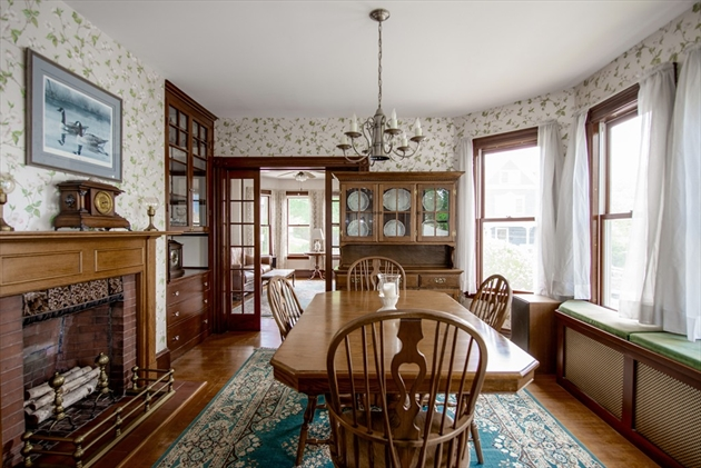 Picture 5 of 14 Columbus Ave  Beverly Ma 3 Bedroom Single Family