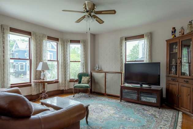 Picture 10 of 14 Columbus Ave  Beverly Ma 3 Bedroom Single Family