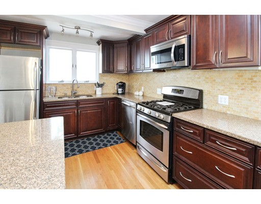 Picture 3 of 34 Ellis St  Quincy Ma 3 Bedroom Single Family
