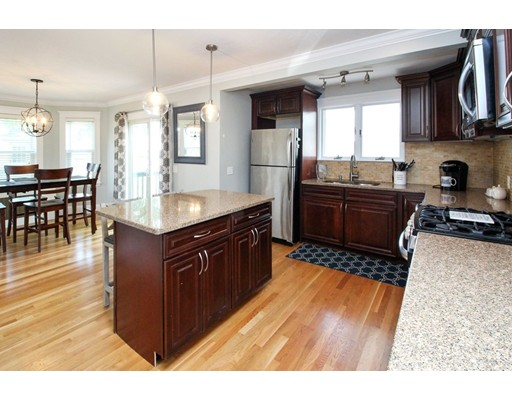 Picture 4 of 34 Ellis St  Quincy Ma 3 Bedroom Single Family