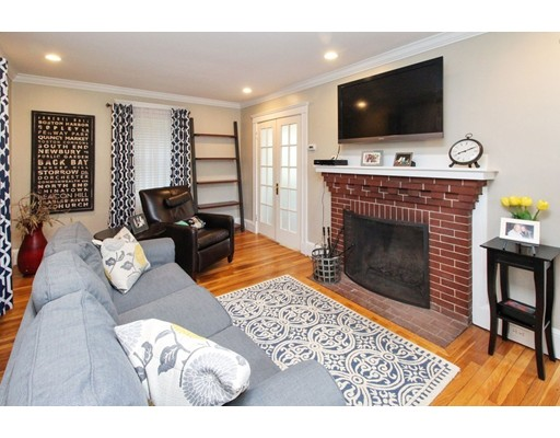 Picture 5 of 34 Ellis St  Quincy Ma 3 Bedroom Single Family