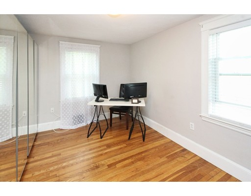 Picture 11 of 34 Ellis St  Quincy Ma 3 Bedroom Single Family