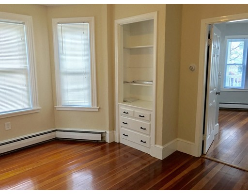 Picture 9 of 68 Kendall St  Quincy Ma 5 Bedroom Multi-family